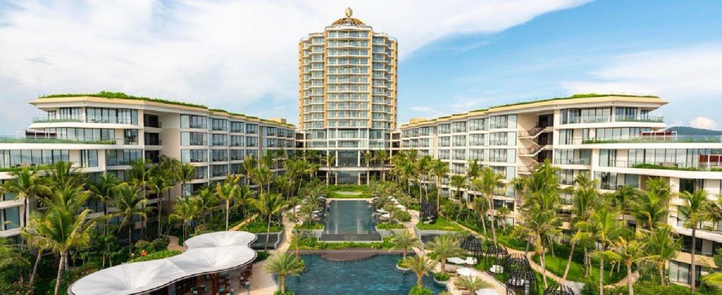 InterContinental-Phu-Quoc-Long-Beach-Resort-1024x418